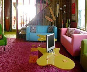 Little girl 39 s dress up dressing room room decor and design for Edgy living room ideas