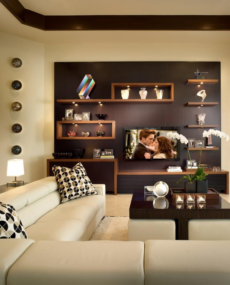 Chic Modern Living Room W Built In Shelving Room Decor And Design