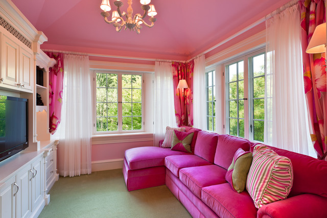 Pink And Green Accents Living Room. 27 daring red and green interior ...