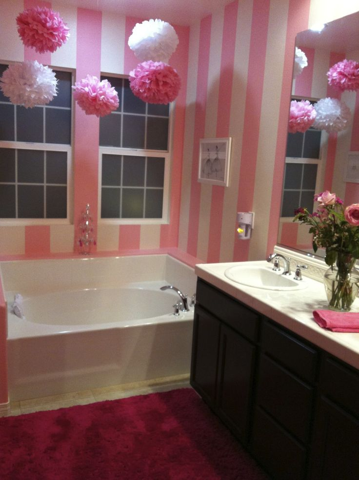 Pink and white striped bathroom room decor and design for Red and white bathroom decor
